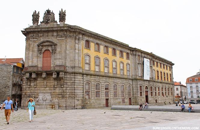 Exterior do Centro Português de Fotografia