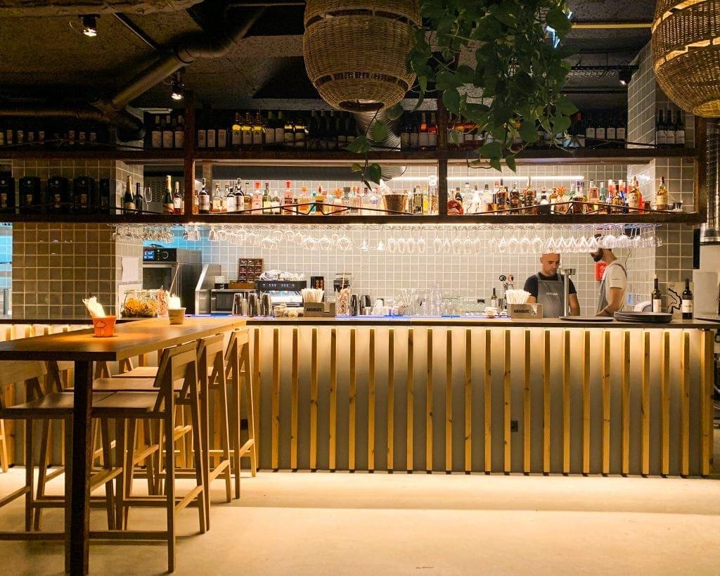 restaurante Jangada interior Ericeira Portugal