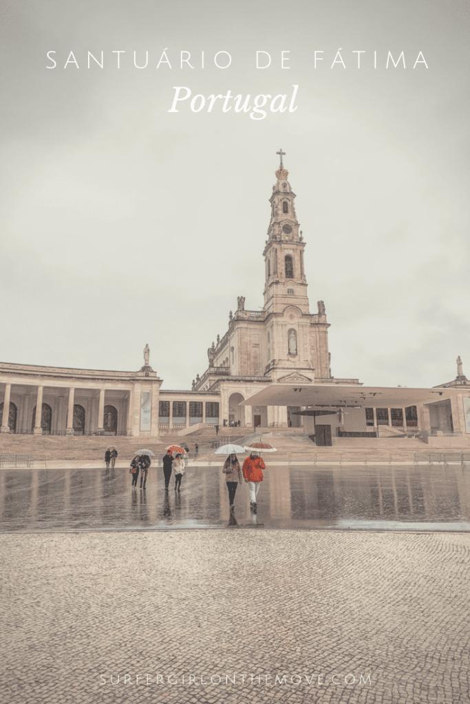 É um dos mais importantes templos cristãos do mundo e fica em Portugal. Este Natal, aproveite o espírito da quadra para conhecer o Santuário de Fátima.
