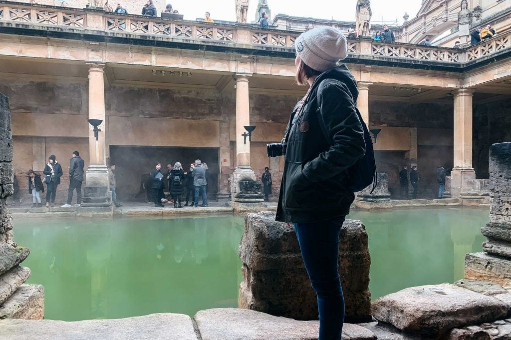 Grande taque nos Banhos Romanos de Bath - Great Bath area in the Roman Baths in Bath