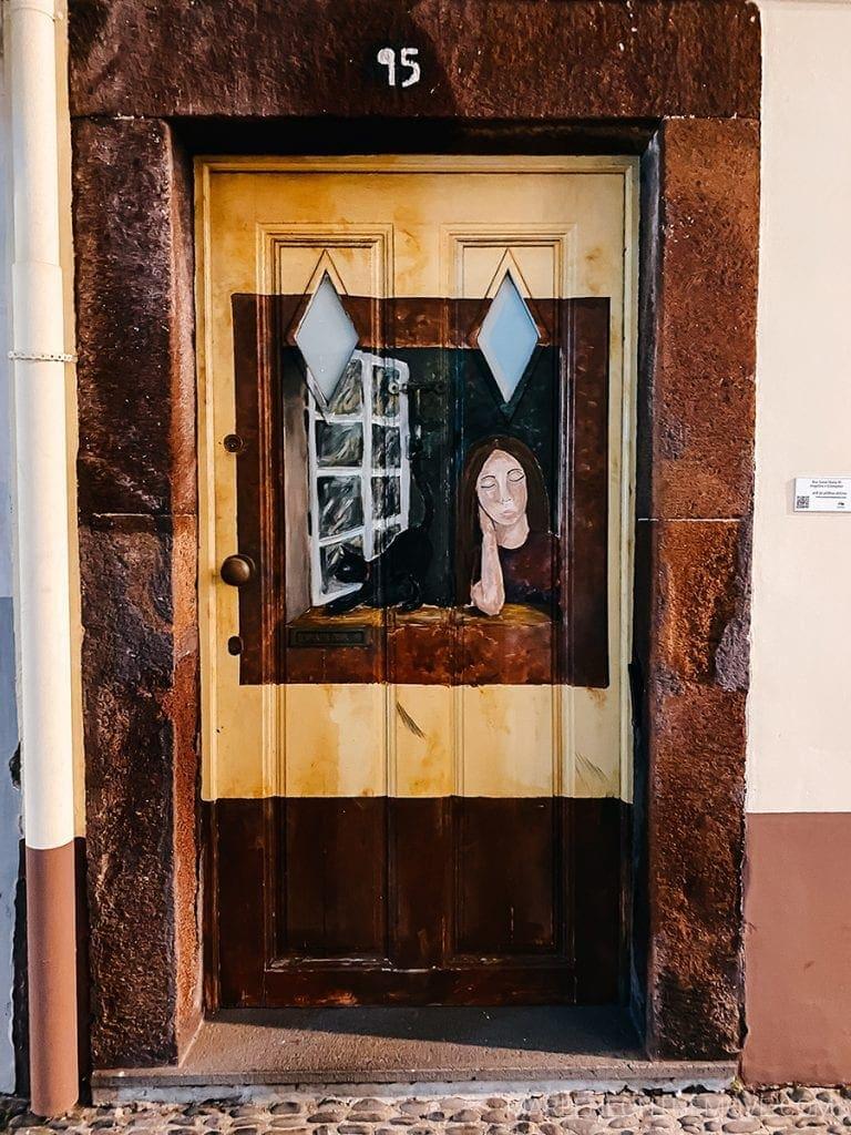 Portas pintadas no Funchal Madeira Painted doors
